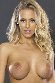 Pornstar Nicole Aniston