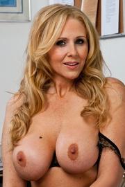 Pornstar Julia Ann