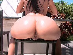 Rachel Starr sitting on the chair shaking her perfect round ass