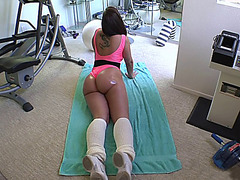 Big ass girl Kelly Divine get her workout