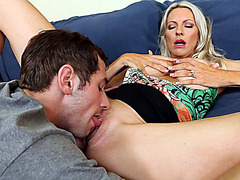 Emma Starr gets her juicy cunt tongued by a young stud