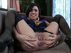 Sexy housewife Eva Angelina rubs her clit on camera