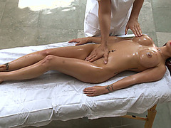 Eva Angelina got her gorgeous body poured with oil and massaged