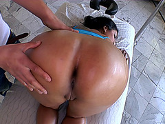 Round ass chick Kiara Mia lets him massage her phat oiled booty