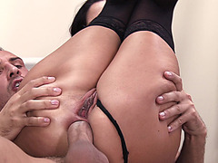 Sex hungry MILF Ava Addams hikes her legs in the air and takes an anal pounding