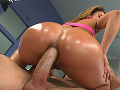 Sheena Shaw impales her lubricated anal hole on his huge cock and rides it