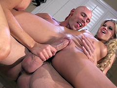 Vanilla DeVille showing Jessa Rhodes how to fuck