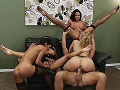 Julia Ann, Jenna Presley, Jessica Jaymes and Kirsten Price fucking one guy