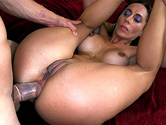 Latin mom Fiona Rivers gets her tight butthole drilled