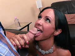 Jewels Jade sucking big size penis