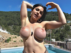 Marta La Croft gets her huge knockers worshipped outdoor