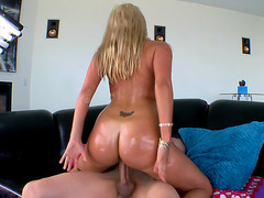 Laela Pryce moves her oiled ass on his cock