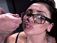 Audrey Bitoni takes an amazing facial