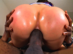 Aleksa Nicole getting fucked in that pretty asshole that she owns