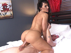 Lisa Ann fucks his stepson in the hotel room