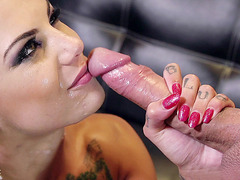 Bonnie Rotten loves to deep throat hard prick