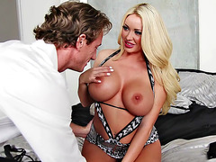 Summer Brielle gets her huge tits and pussy licked