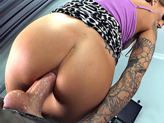 Juelz Ventura impales her ass on his huge pole