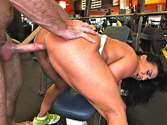 Becca Diamond gets pussy fucked in the gym