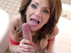Deauxma does an incredible blowjob