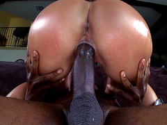 Round ass chick Olivia Wilder bounces on that black pole