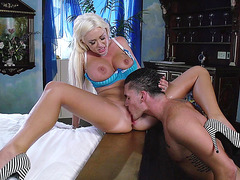 Summer Brielle getting her pussy tongued