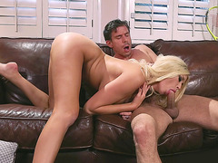 Blonde chick Summer Brielle giving nice head