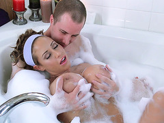 Eva Notty taking a bath with her lover
