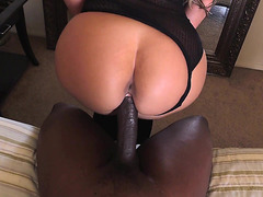 Blonde Phoenix Marie moving her big ass on his cock