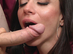 Ariella Ferrera gives him a nice head