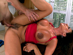 Ariella Ferrera enjoys getting her cunt slammed