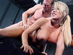 Blonde bitch Capri Cavanni taking it from behind