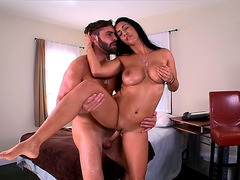 Isis Love getting her juicy MILF cunt slammed