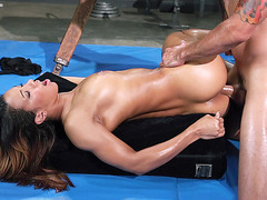 Sophia Fiore cums as she takes his rod in her butt