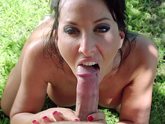 Lezley Zen loves to suck dick outdoor