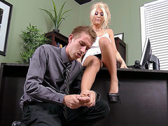 Sexy boss Kayla Kayden lets him massage her feet
