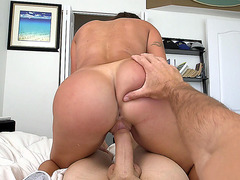 Latina babe Julianna Vega rode him in POV