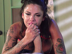 Bonnie Rotten does some sloppy head in POV