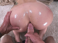 Mandy Muse took that thing straight to the ass