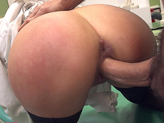 Candy Alexa gets slammed in the hospital