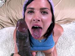 Kinky slut Keisha Grey gives him a blowjob